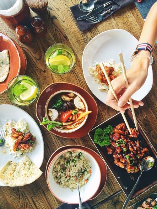 Het leven is een rijsttafel – over keuzestress in het leven – door Chrisje's VIP blogger Selina