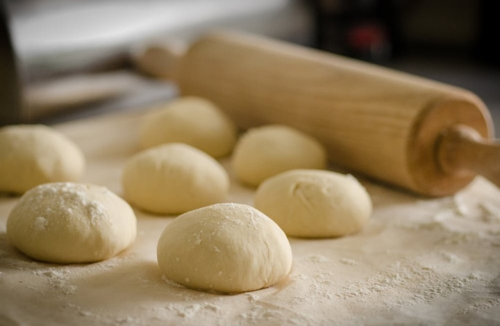 Als je het de bakker niet zou vragen, waarom dan wel aan de freelancer, fotograaf ofschrijfster?