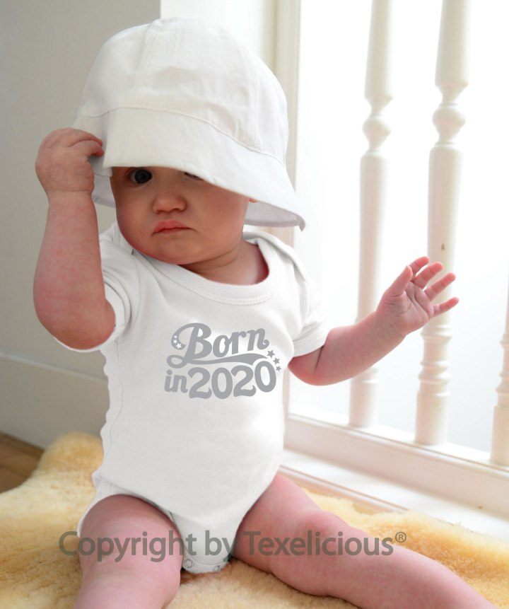 Té cute: Baby-rompertjes! Born in 2020: Het verhaal van Marjan Zeilemaker over ondernemen inCorona-tijden